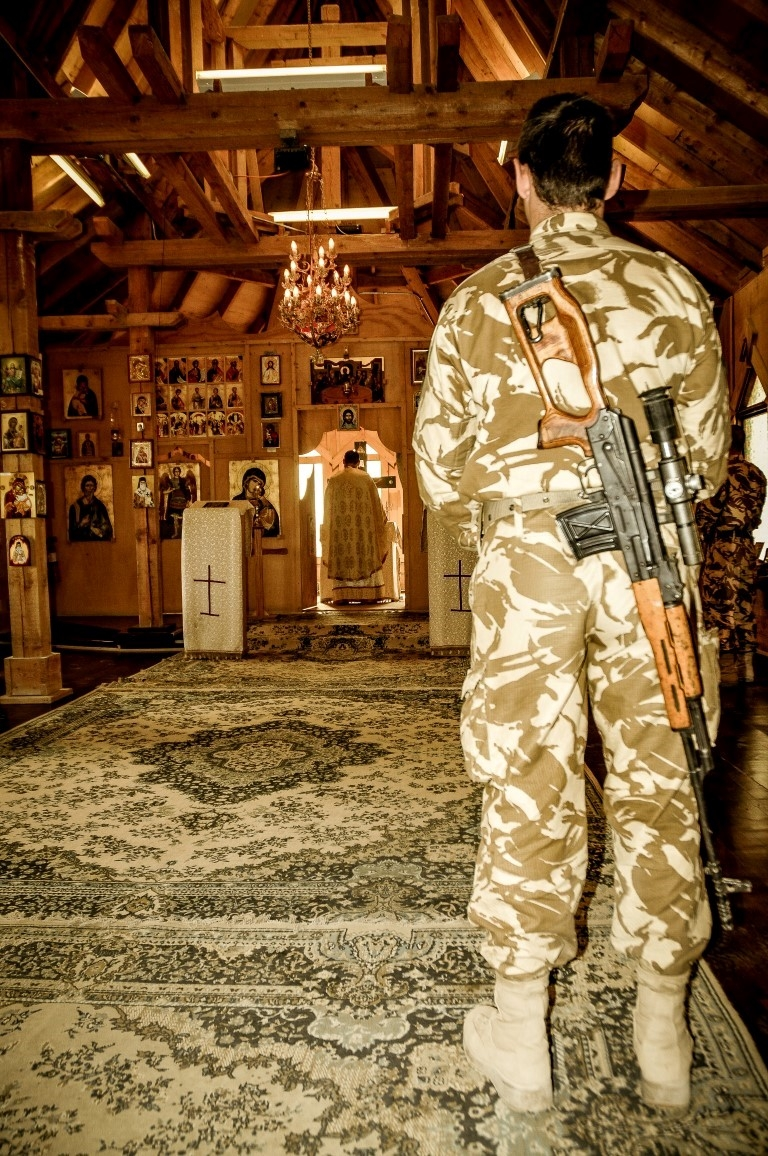 A-Romanian-soldier-praying-in-the-Romanian-church
